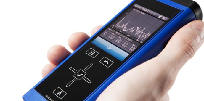 2013_09_Lufft_XA1000-handheld-device