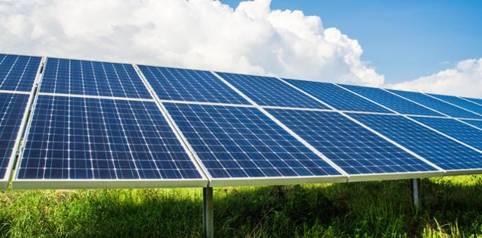 Solarpanel_Fotolia_digitalstock