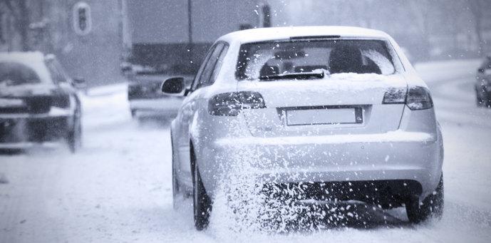 Friction_fotolia_Autos im Winter_Thaut Images