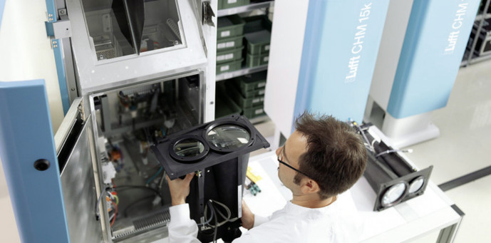 2015-Cloud-height-sensor-CHM15k_wolkenhoehe_standard